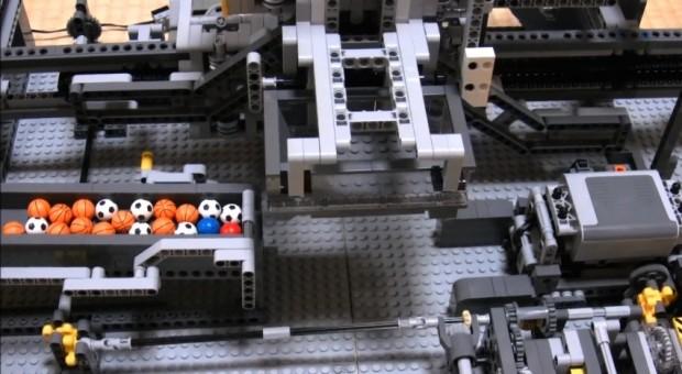 Amazing LEGO Machine